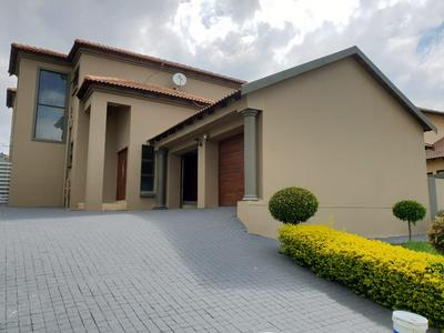 Property For Rent in Willowbrook, Roodepoort