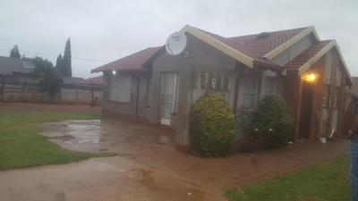 Property For Sale in Ennerdale Ext 9, Johannesburg