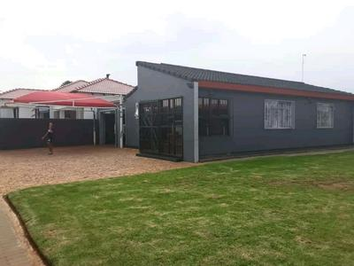 Property For Sale in Ennerdale Ext 3, Johannesburg